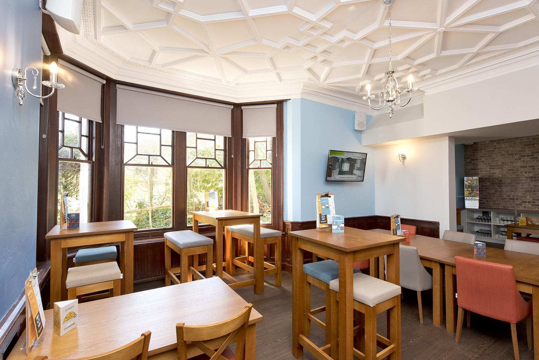 YHA Swanage - dining room