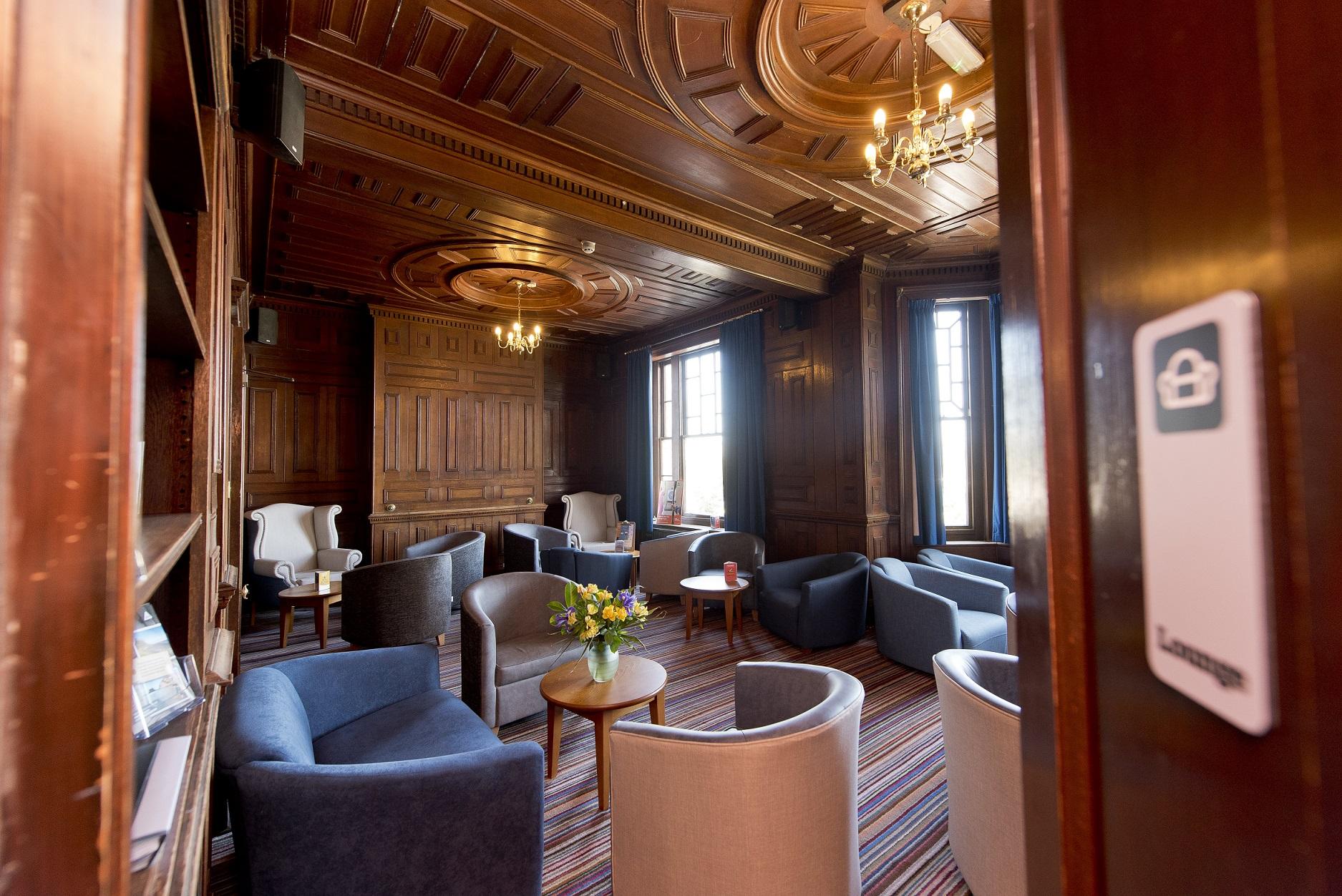YHA Swanage - lounge