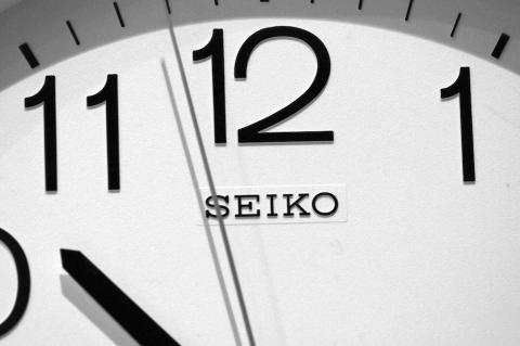 wasting-time-webinar-clock