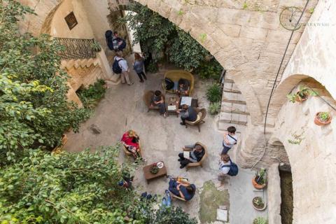 Fauzi Azar Inn by Abraham Hostels