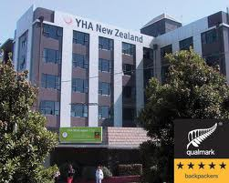 Trevor Mallard Minister for the Environment praise YHA Wellington City