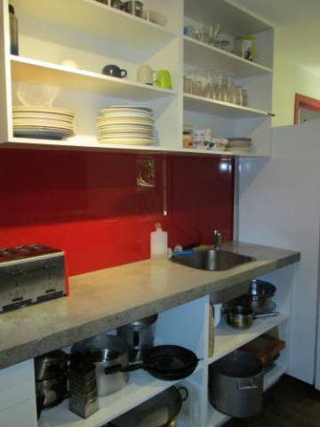 hekerua lodge kitchen north island new zealand clean sink plates mugs cups glasses bench