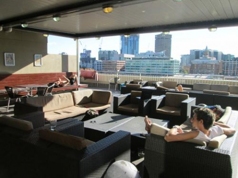 rooftop terrace bbq bounce hostel central sydney